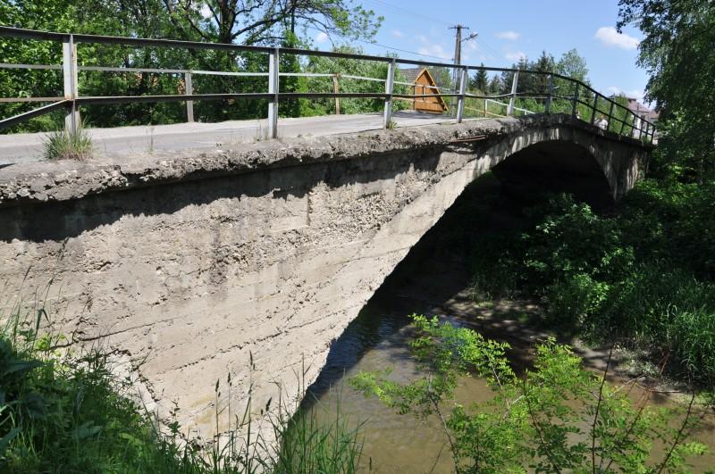 Obecny most na rzece Bednarce w Osobnicy