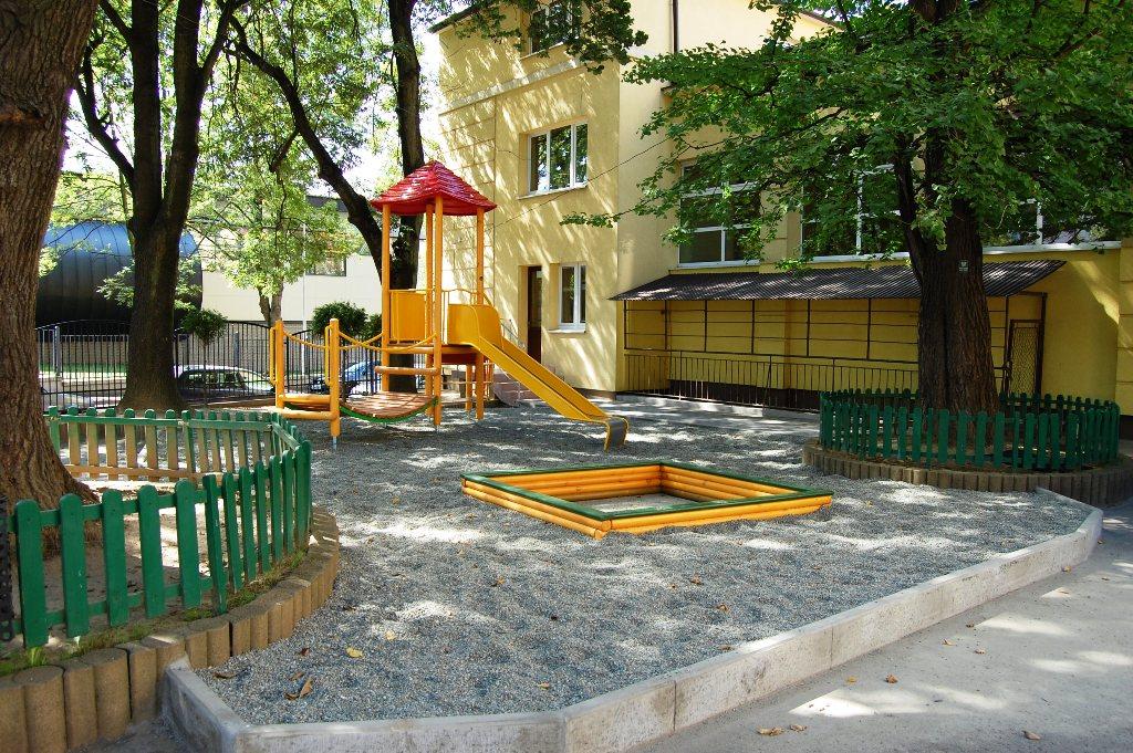 Plac zabaw przy Szkole Podstawowej nr 2